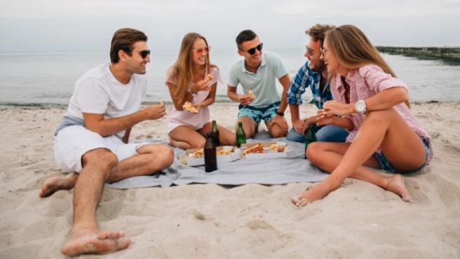 Los españoles gastarán de media en las vacaciones de verano 1.798 euros.