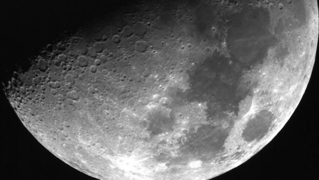Imagen de la Luna tomada desde el telescopio de la Universidad Julius Maximilians de Wurzburgo.