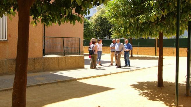 Sevilla.- Ayuntamiento inicia esta semana la creación y mejora en zonas de juegos infantiles de cuatro colegios de Amate