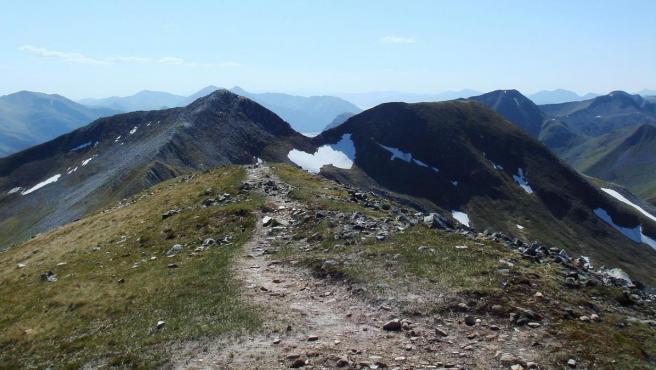 Imagen de la montaña Na Gruagaichean, en las Tierras Altas de Escocia.
