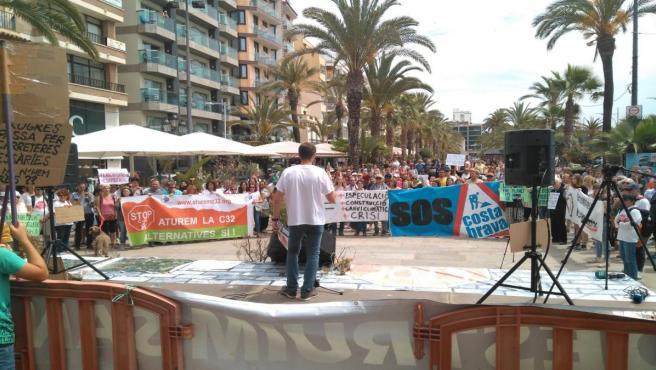 Una concentración reclama parar las obras de prolongación de la C-32 hasta Lloret (Girona)