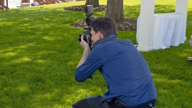Imagen de archivo de un fotógrafo profesional.