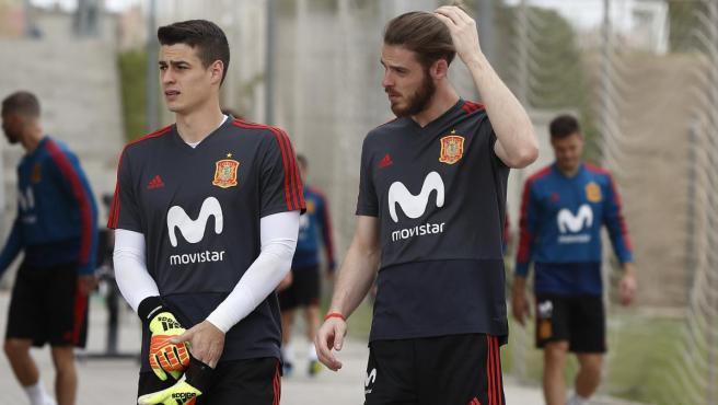 Kepa y De Gea, en un entrenamiento de la selección.