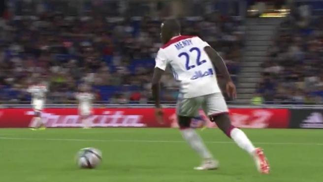 Mendy, en un partido con el Olympique de Lyon