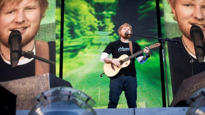 El cantante, compositor y guitarrista británico Ed Sheeran, durante el concierto ofrecido en el Wanda Metropolitano, en Madrid.