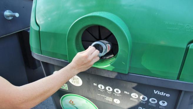 Ecovidrio lanza una campaña de reciclaje de vidrio entre los hoteles de Palma