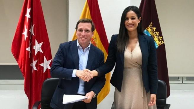 PP y Ciudadanos sellan un acuerdo para el Ayuntamiento de Madrid, que tendrá a Martínez-Almeida como alcalde.