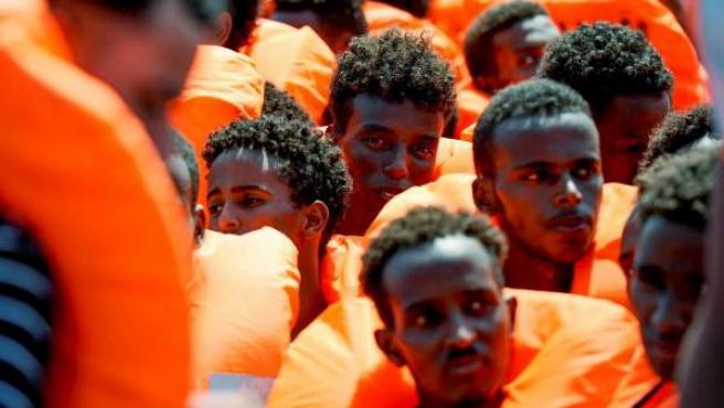 Migrantes rescatados en el Mediterráneo por el buque Aquarius.
