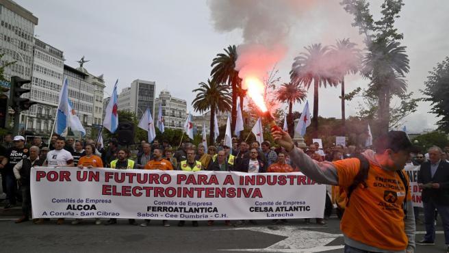 Manifestación de empresas electrointensivas en A Coruña para exigir un precio eléctrico 'competitivo'