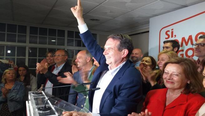 26M-M.- Abel Caballero bate su récord en Vigo con 20 concejales, el BNG vuelve al Ayuntamiento y el PP se hunde
