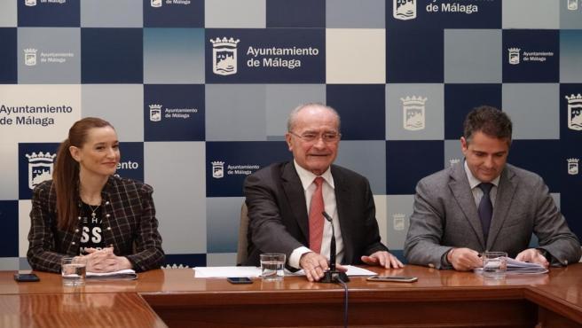 Alcalde de málaga, De la Torre, Elisa Pérez de Siles y Carlos Conde