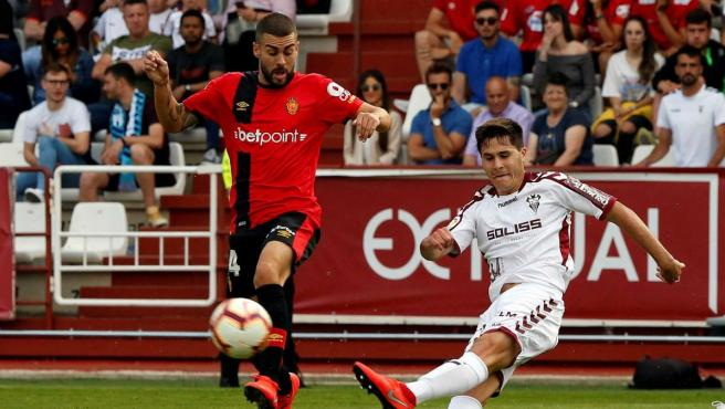 El Mallorca sufrió hasta el último segundo y avanza en el playoff de ascenso.