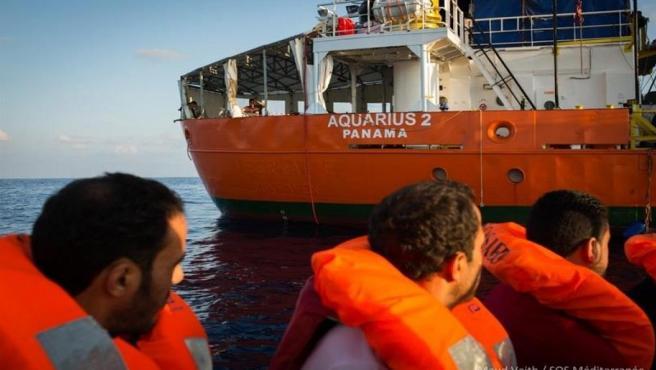 Migrantes rescatados por el buque Aquarius