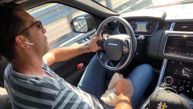 Gianluigi Buffon, conduciendo.