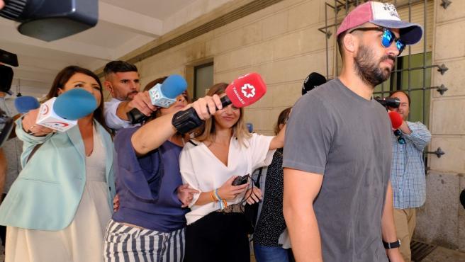 Antonio Manuel Guerrero, el guardia civil de La Manada, este viernes en el juzgado de guardia de Sevilla.