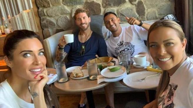 Pilar Rubio y Sergio Ramos celebran su luna de miel en Costa Rica con Keylor Navas y su mujer, Andrea Salas.