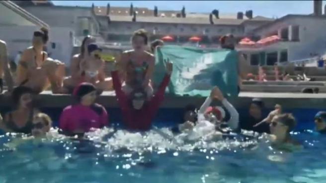 Mujeres musulmanas reivindican el 'burkini' en Francia.