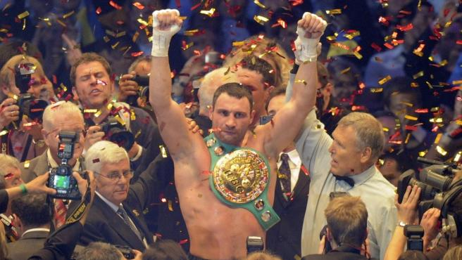 Wladimir Klitschko celebra una de sus victorias.