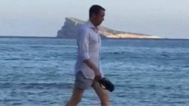 Eduardo Zaplana en la playa de Benidorm