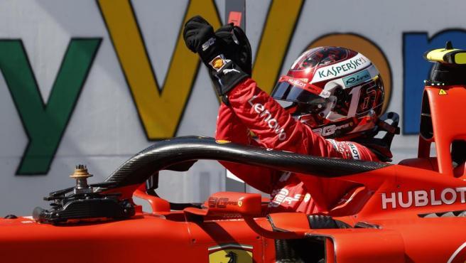 Charles Leclerc celebra su pole del GP de Austria.