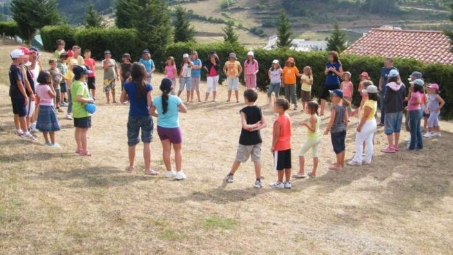 Niños en un campamento de verano, en una imagen de archivo.