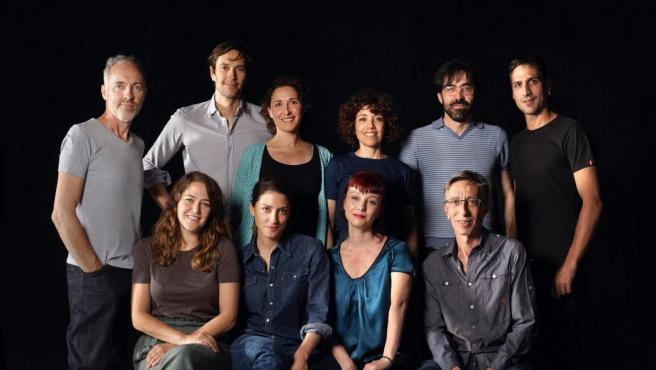 Diez años después de su estreno, el Teatro Kamikaze recupera con su elenco original 'La función por hacer', dirigida por Miguel del Arco.