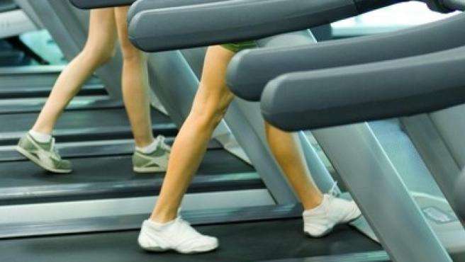 El ejercicio en la cinta de correr o andar puede reducir el dolor menstrual y mejorar la calidad de vida a largo plazo.