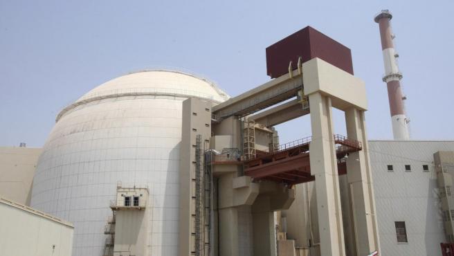 Imagen de archivo que muestra una vista exterior de una central nuclear en Bushehr, al sur de Irán.