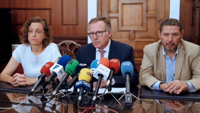Toma de posesión del nuevo gobierno de Melilla. Eduardo de Castro, presidente de la ciudad autónoma (Cs).