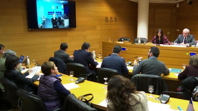 En la televisión, Álvaro Perez 'El Bigotes' comparece sobre el 'caso Taula' en las Cortes Valencianas.
