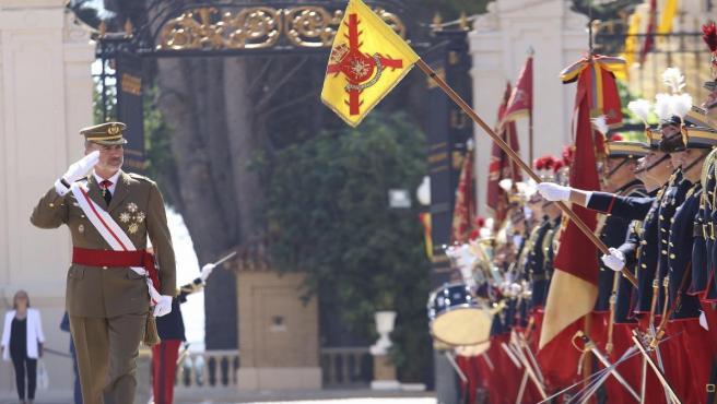 El Rey Felipe VI presidiendo el acto de entrega de despachos en la Academia General Militar de Zaragoza