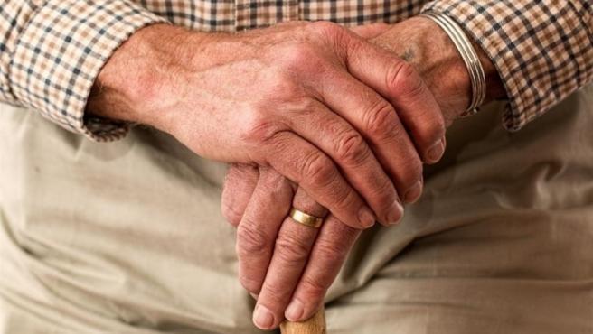Un anciano, en una foto de archivo.