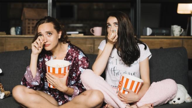 Cinco series de HBO que deben ver los románticos (y dramáticos) empedernidos