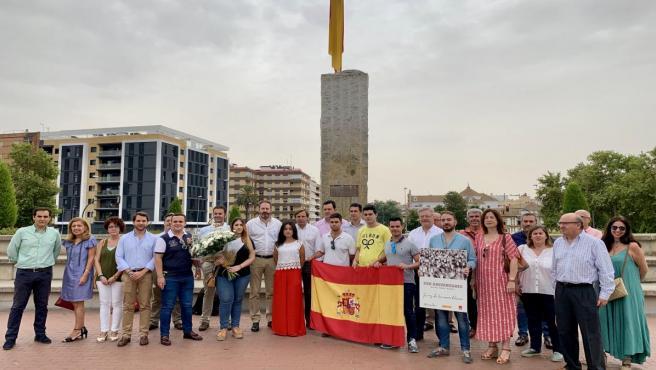 Dirigentes de NNGG y del PP de Córdoba en el homenaje a Miguel Ángel Blanco tributado en Córdoba en el 22 aniversario de su asesinato por ETA.