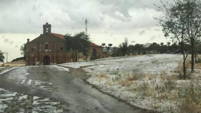 Una tormenta anega viviendas en Alaejos.