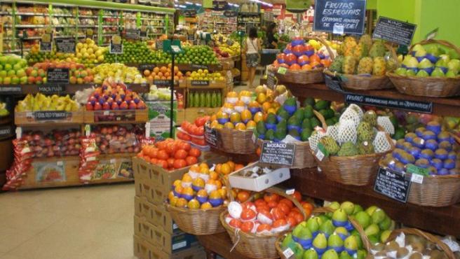 Imagen de la frutería de un supermercado.
