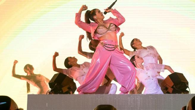 Rosalía durante su actuación.