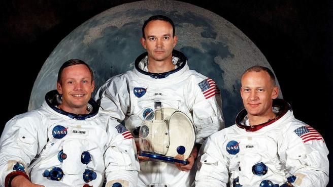 Los astronautas estadounidenses Neil Armstrong y Michael Collins y Edwin Aldrin (i a d), tripulantes del Apolo 11, cohete que los transportó hacia la Luna.