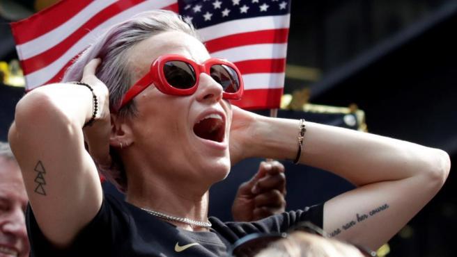 Rapinoe, durante los festejos por la conquista del Mundial femenino de fútbol.