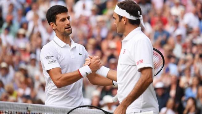 Djokovic y Federer en la final de Wimbledon 2019