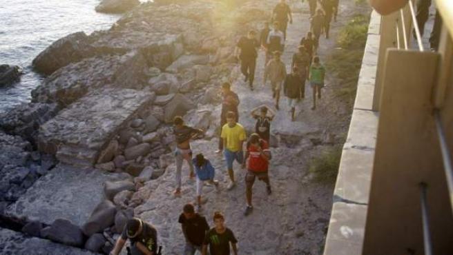 Imagen de archivo de menores no acompañados en Melilla.