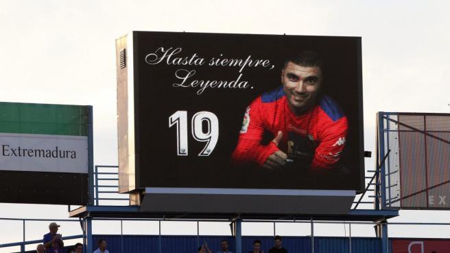 Videomarcador del estadio del Extremadura en recuerdo a José Antonio Reyes.