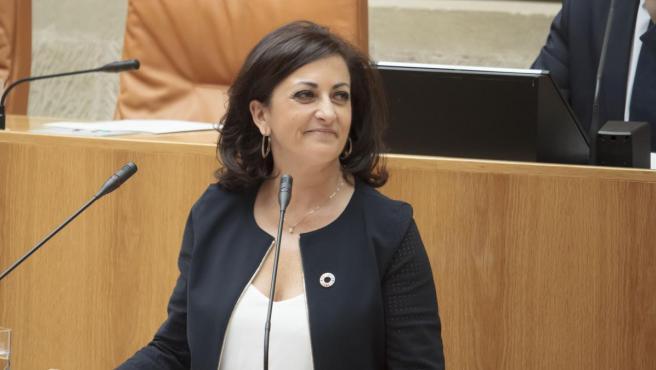 La candidata socialista a la presidencia de La Rioja, Concha Andreu, en el Parlamento de La Rioja.