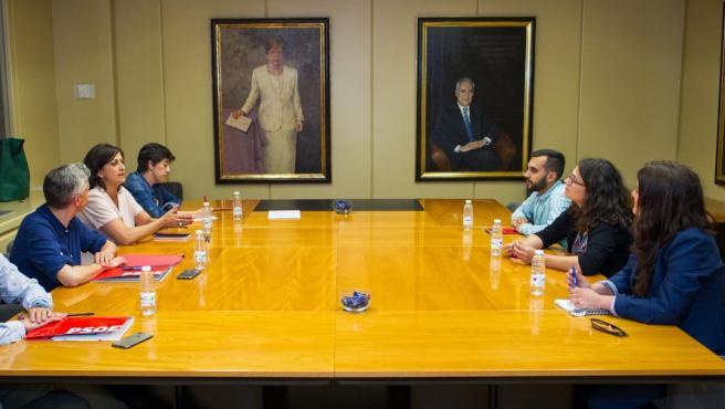 Reunión entre el PSOE y Podemos en La Rioja, con Concha Andreu y Raquel Romero a la cabeza.