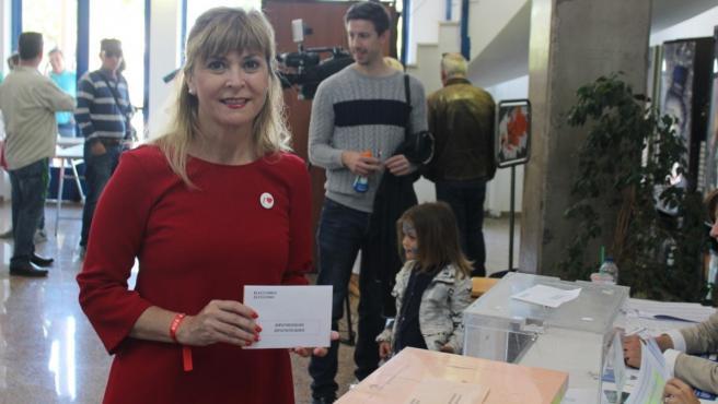 Una diputada del PSOE en el Congreso niega que el hombre llegara a la Luna