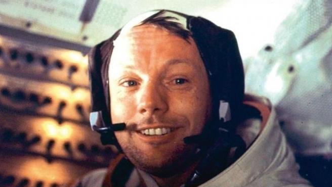 Por qué Neil Armstrong bajó primero al llegar a la Luna