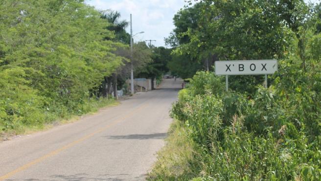 Cartel indicador de X'box, en el sur del mexicano estado de Yucatán.
