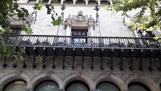 La fachada de la Diputación de Barcelona sin el lazo amarillo.