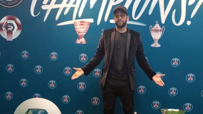 Dani Alves se despide del PSG.