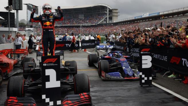 Max Verstappen celebra la victoria del GP de Alemania.